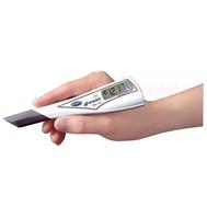ตัวเครื่องวัดสามารถแตะจิ้มไปที่ผิวตัวอย่างแล้วอ่านค่าได้เลยเหมาะกับการวัดตัวอย่างที่เป็นเนื้อผลไม้