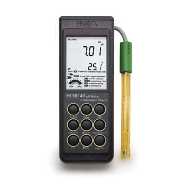 Portable pH Meter with SMART Electrode HI98140